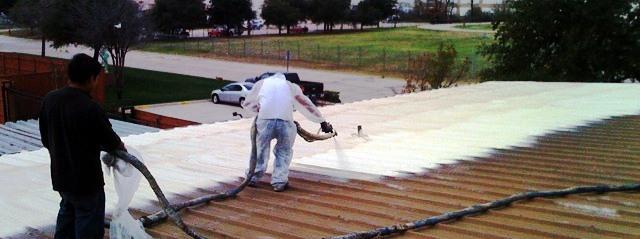 напыление пенополиуретана на крышу
