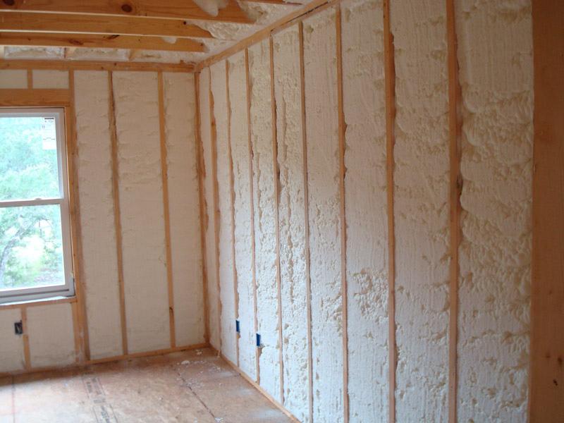 напыление ппу изнутри деревянного дома