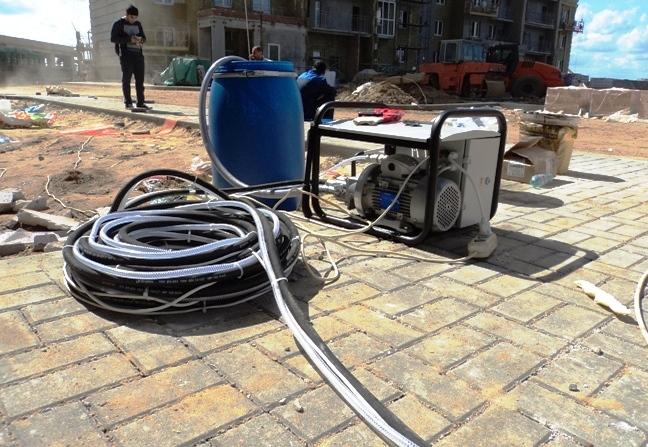 оборудование для жидкой резины на строительной площадке