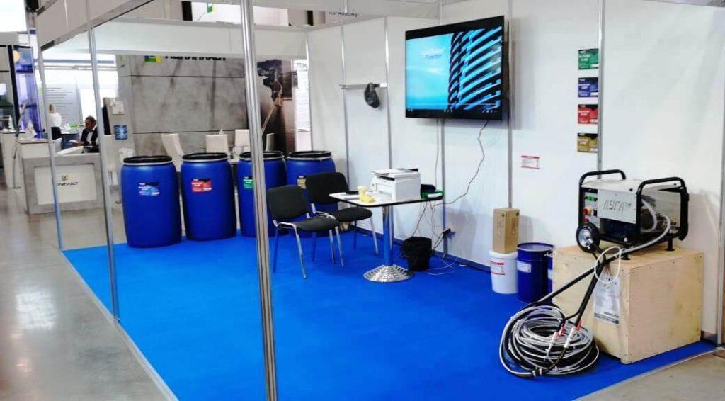 оборудование для жидкой резины на выставке